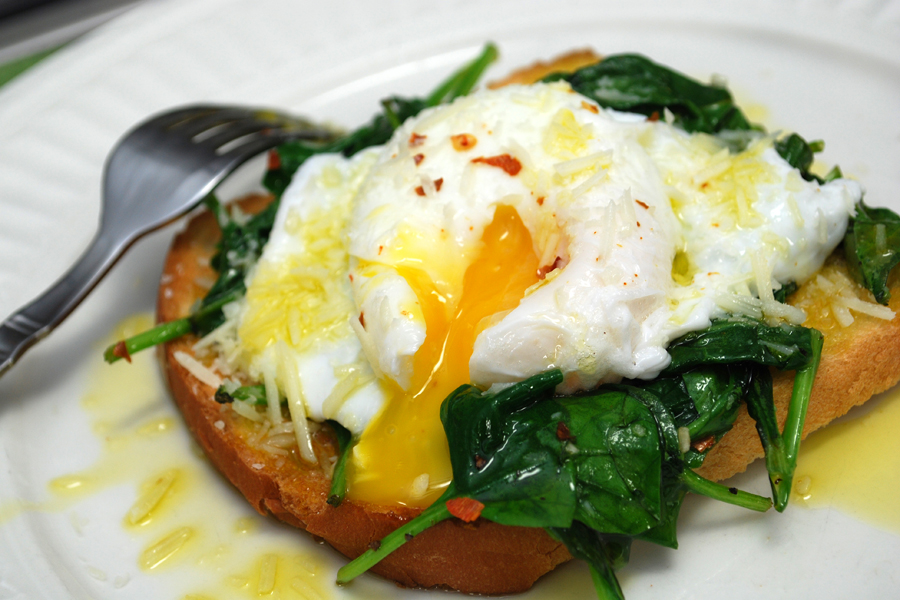 spinach poached eggs wilted spinach poached eggs on toast with crispy ...